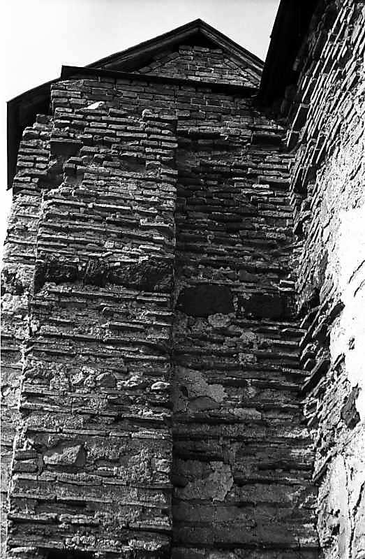 Остер. Церква св.Михаїла. Південне прясло. Вигляд зі сходу. 1978 р. Фото М.І.Жарких