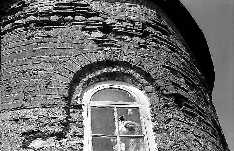 Остер. Церква св.Михаїла. Верхня частина апсиди. Вигляд зі сходу. 1978 р. Фото М.І.Жарких