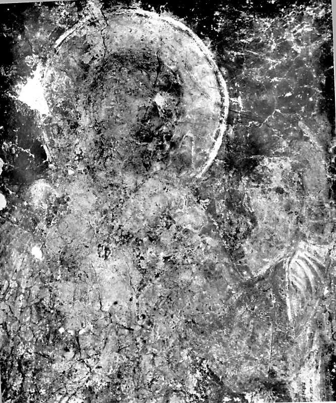 Остер. Церква св.Михаїла. Архангел на південному схилі конхи, верхня частина постаті. Стан 1977 р.