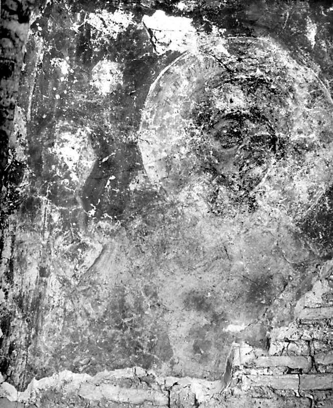 Остер. Церква св.Михаїла. Архангел на північному схилі конхи, верхня частина постаті. Стан 1977 р.