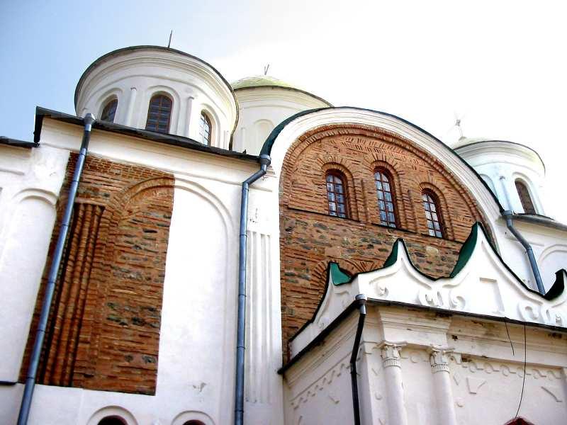 Чернігів. Спасо-Преображенський собор. Північний фасад, відкриті частини стародавнього мурування.