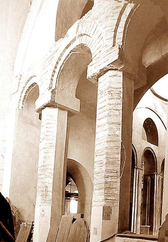 Чернігів. Спасо-Преображенський собор. Інтер'єр хор (західна частина), аркада, що відкривається у центральну наву.