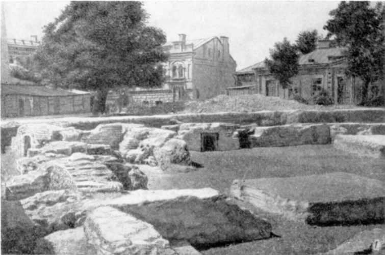 Табл. IV-1. Развалины Десятинной церкви. Фундаменты южной и западной стен