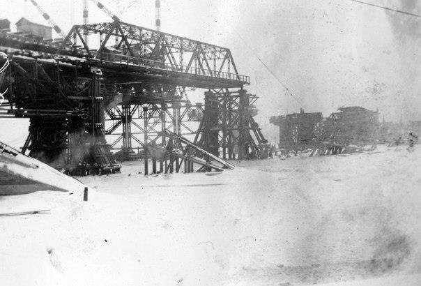Будівництво мосту Рейхенау на…