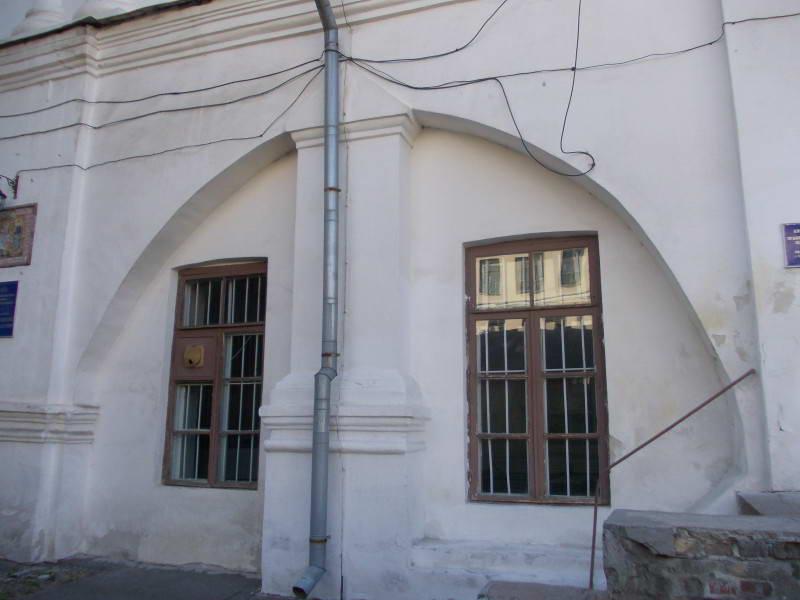 Староакадемічний корпус…