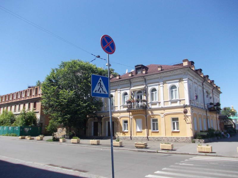 Місце Святодухівської брами Подолу