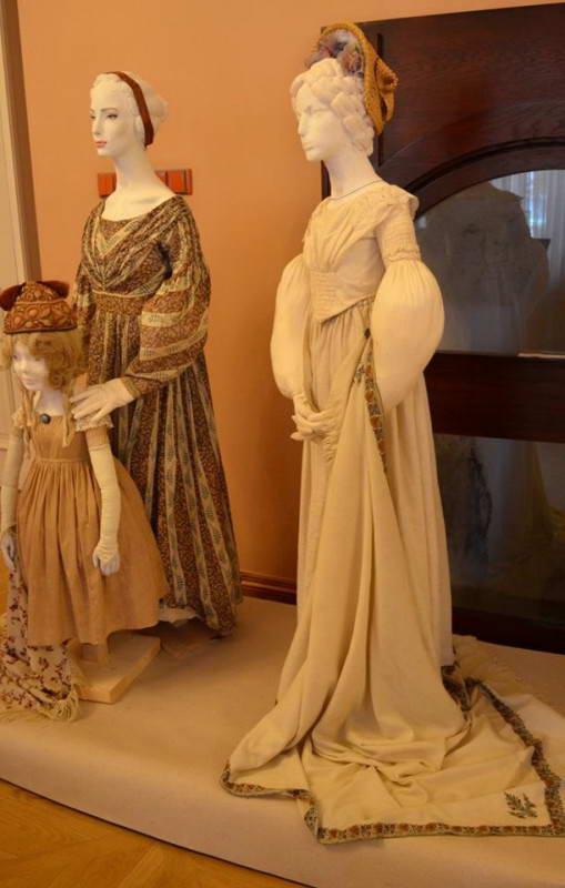Жіночі костюми 1830-ті рр.