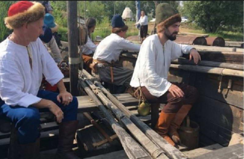 Реконструкція козацького байдаку XVII…