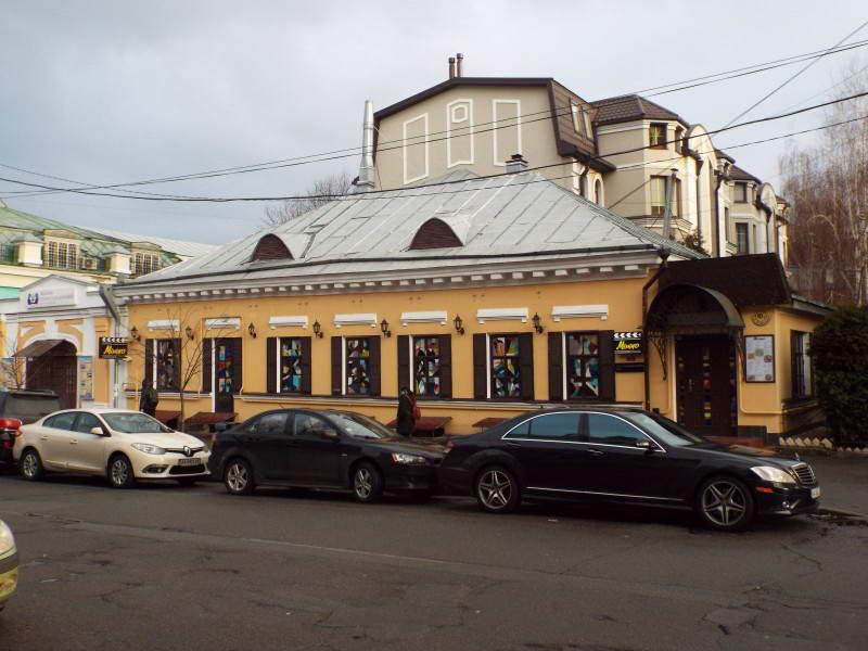 Будинок по вул. Спаська, 19