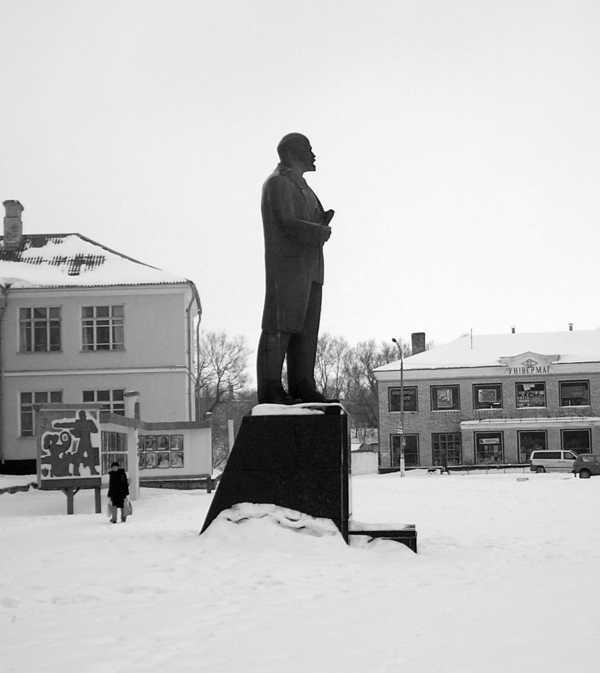 Пам'ятник Лєніну. Місто Ізяслав. 2006 рік.