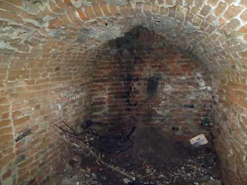 Бастіон в Заславі. Інтер'єр до підземелля. Фото 2006 р.