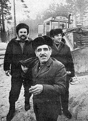 Г.Саркисян (на переднем плане) и его…